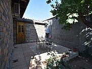 Особняк, Ереван, Давташен