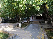Առանձնատուն, Բալահովիտ