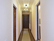 Բնակարան, 10 սենյականոց, Երևան, Փոքր Կենտրոն