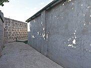 Առանձնատուն, Եղվարդ