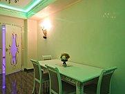 Բնակարան, 5 սենյականոց, Երևան, Փոքր Կենտրոն