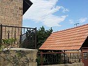 House, Lusakert